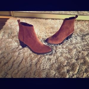 Lucky brand brown suede bootie